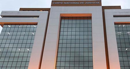 Teleamazonas: Condenado por aplaudir, uno de los casos más insólitos de la justicia del correísmo. (Video)