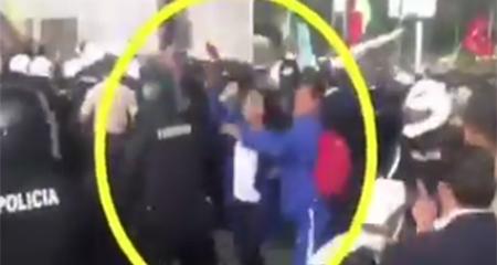 Gabriela Rivadeneira agrede e insulta a policías (Video)