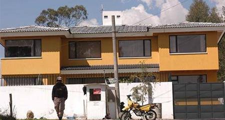 Rafael Correa coloca su casa de Quito a nombre de su hijo (Video)