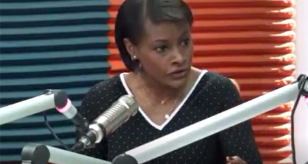Diana Salazar, directora de la UAFE, critica donación de la casa de Correa a su hijo (Video)