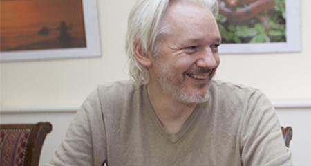 Abogado de Assange demandará al Ecuador