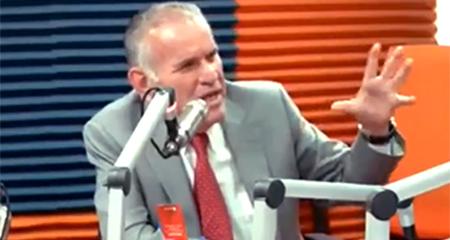 Asesor presidencial, Santiago Cuesta, llama retrasada mental a periodista (Video)