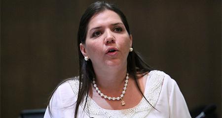 Lenín Moreno retira las funciones a vicepresidenta María Alejandra Vicuña