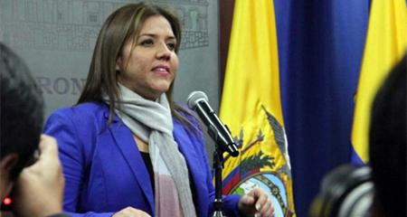 María Alejandra Vicuña presentó finalmente su renuncia