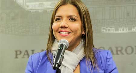 María Alejandra Vicuña salió de la vicepresidencia y ahora trabajaría en el SRI