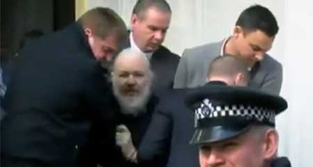 Ecuador retira asilo a Julián Assange