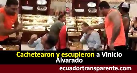 Escupen y cachetean a Vinicio Alvarado en una cafetería en Guayaquil (Video)