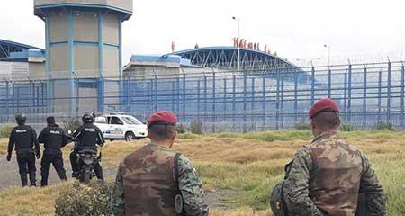 Amotinamiento en cárcel de Latacunga deja dos reos muertos y un policía apuñalado