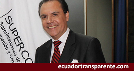 México otorgó «refugio humanitario» a Carlos Ochoa