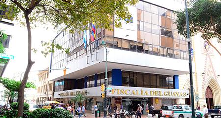 Fiscalía investiga bloqueo del Aeropuerto de Guayaquil
