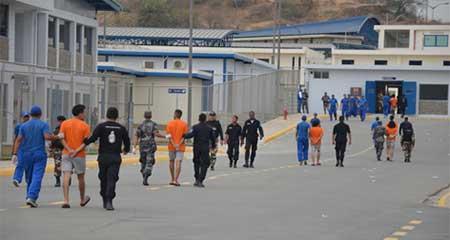 Asambleísta Ronny Aleaga pide liberar presos de las cárceles para prevenir contagios por coronavirus