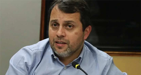 Paúl Granda presentó su renuncia al directorio del IESS