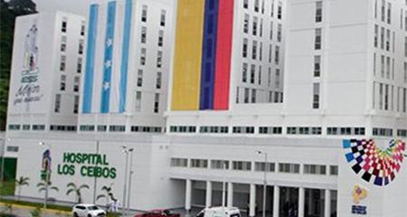 Denuncian que robaron pertenencias y dinero de periodista que falleció en hospital del IESS