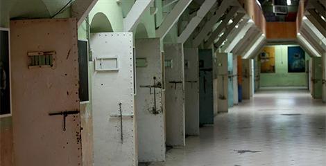 Gobierno de Ecuador libera a más de 577 presos. Algunos estaban condenados por violación o tráfico de drogas
