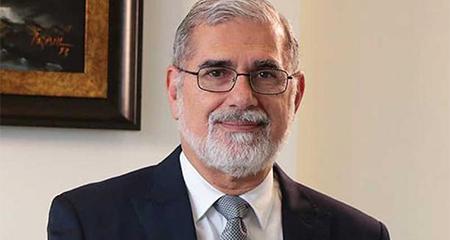 Alberto Dahik pasa a formar parte del equipo de asesores económicos de Lenín Moreno