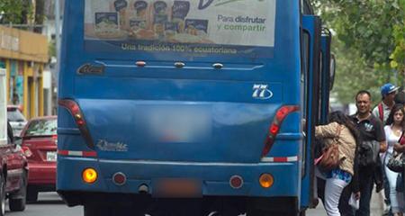 Pasaje de buses en Quito subirá de 0,25 a 0,35 centavos de dólar