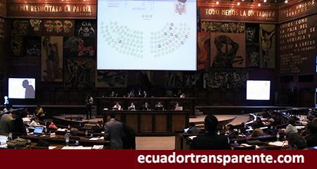 Marcela Aguiñaga, fue la única asambleísta que se abstuvo de votar sobre la Ley de Extinción de Dominio