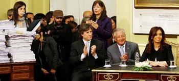 Kirchner arremete contra La Nación y Clarín