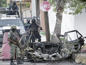 Estalla coche bomba frente a canal televisa en el norte de méxico