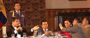 Correa depositó en Alemania el dinero de su demanda a Banco Pichincha
