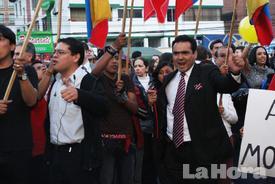 Plantón por libertad de expresión congrega a cientos de personas