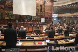 Crecen las críticas a labor legislativa